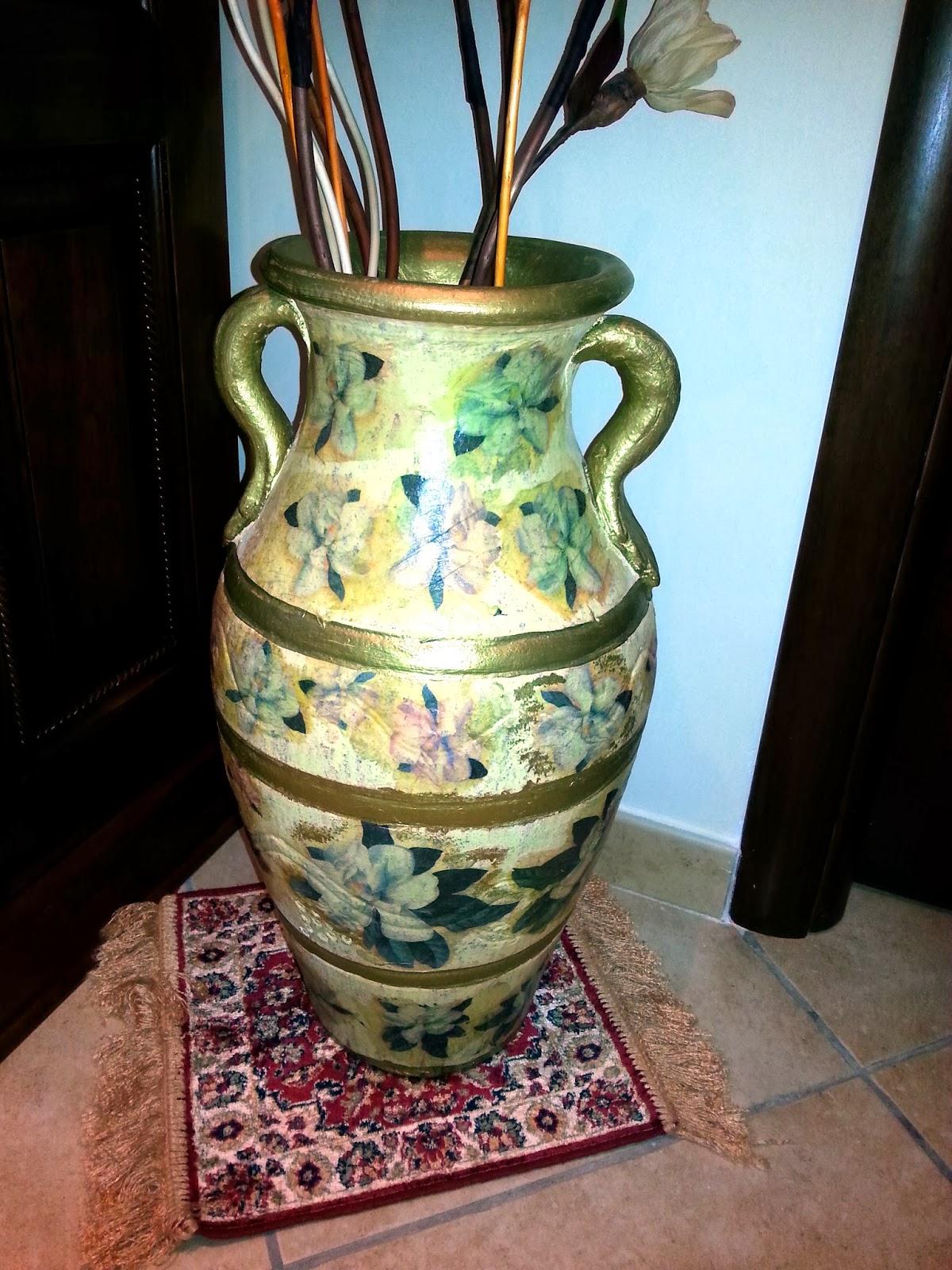 Riciclando con il decoupage bottiglie vasi e damigiane recuperate e riciclate con il decoupage - Decoupage su mobili vecchi ...