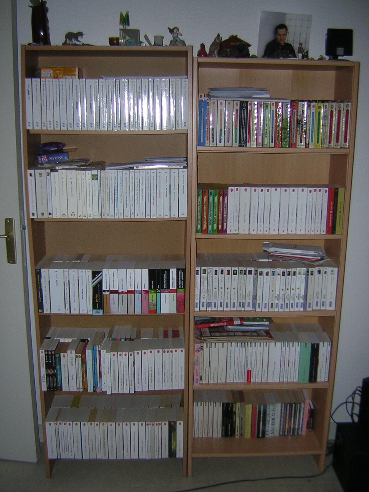 ordinary bibliotheque pour livres de poche 8 lignes et volumes. Black Bedroom Furniture Sets. Home Design Ideas