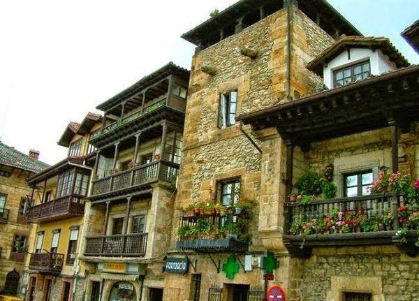 Los 25 pueblos m s bonitos de espa a los viajes de domi - Casas gratis en pueblos de espana ...