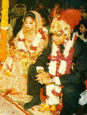 Shahrukh Khan Wedding Pictures,Shahrukh Khan Wedding photos,Shahrukh Khan and Gauri Wedding Pictures,Shahrukh Khan Wedding album,Bollywood actor Shahrukh Khan Wedding Pictures,Shahrukh Khan Wedding images