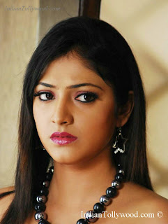 HariPriya Pics From Yuvakudu Movie