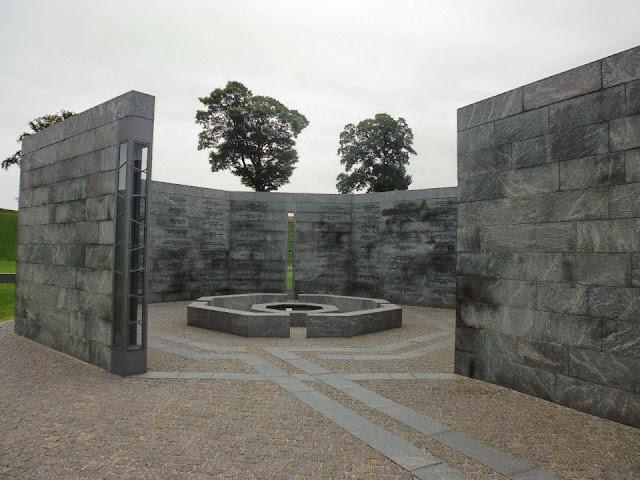 Monumento conmemorativo a los soldados aliados en la batalla de 1807 en Kastellet