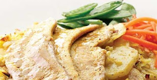 BRAISED TURKEY WITH CREAM MUSTARD WITH POTATOES AND VEGETABLES (Turki)