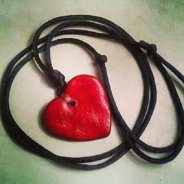 ciondolo cuore rosso in gres