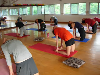 group yoga classes in  lakshman jhula rishikesh india