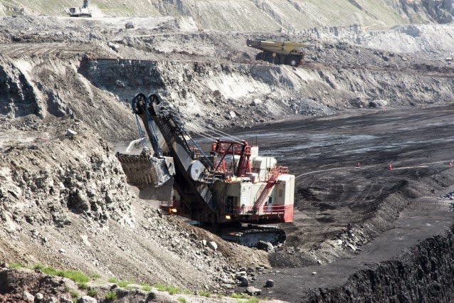 Coal mining operations in the Powder River Basin of Wyoming. (Credit: Shutterstock) Click to Enlarge.