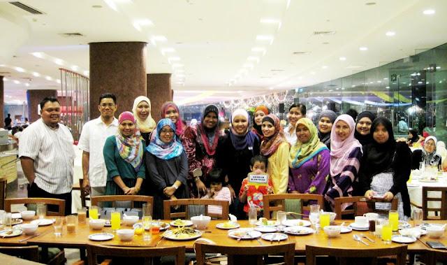 Majlis Iftar di PICC bersama rakan kongsi GLG dalam Premium Beautiful Corset business bergambar kumpulan GLG adibah karimah