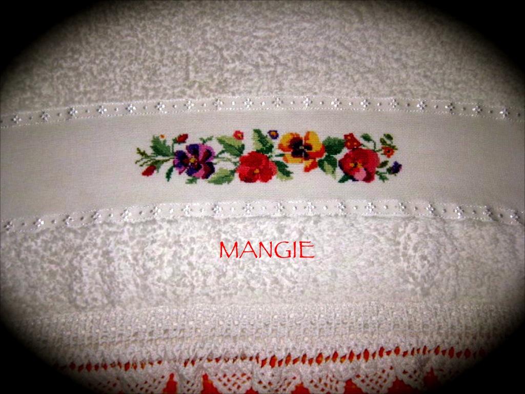 Punto de cruz toallas flores artemangie - Punto de cruz bano ...