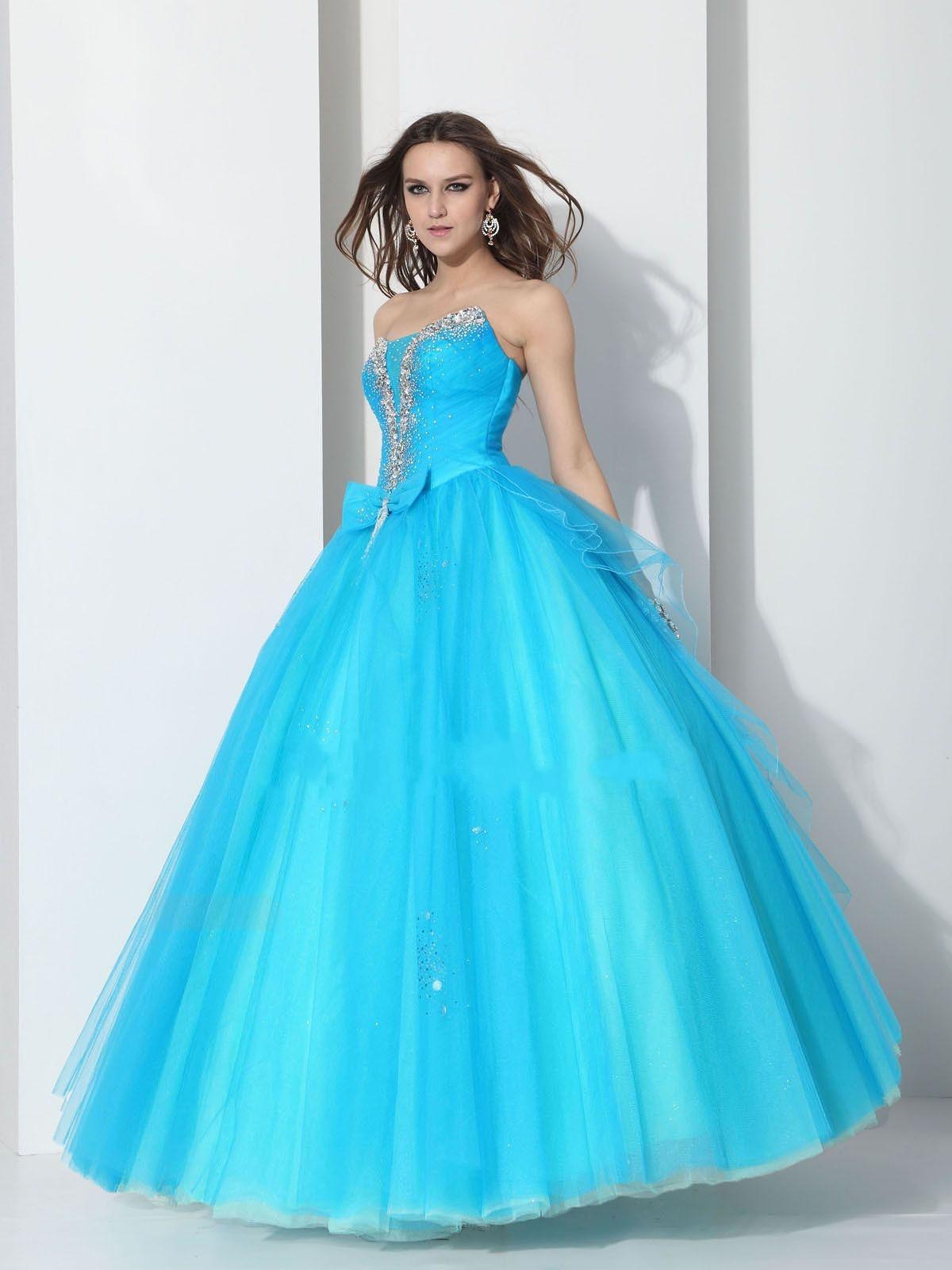 smile!: prom dresses