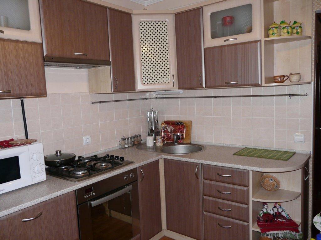 Дизайн кухни 3.5 на 3 фото