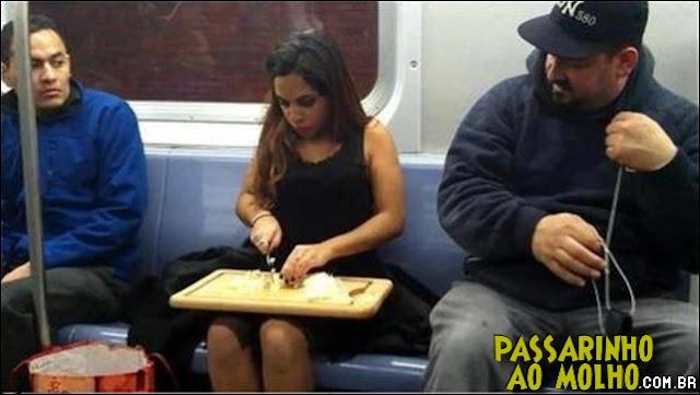 metrô, cortando cebola, wtf