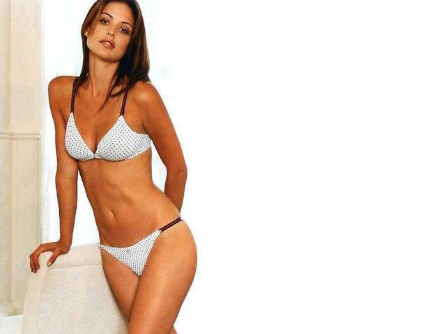 Model Josie Maran- Underwear Fashion