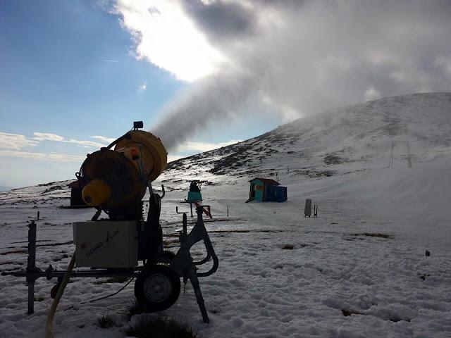 Κανόνι τεχνητού χιονιού στο Καϊμάκτσαλαν