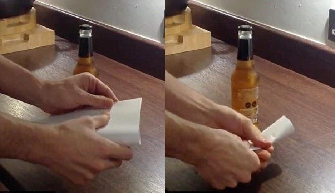 Bagaimana Caranya Membuka Tutup Botol dengan Kertas A4