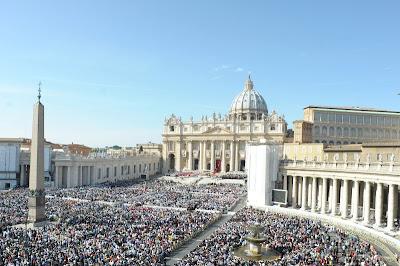 Papa Bento XVI evidencia Dia Mundial das Missões durante canonização de sete beatos