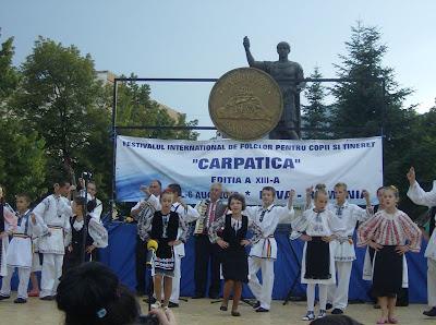Porturi populare purtate de copii din zona Certeju de Sus - judetul Hunedoara, Romania