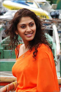 Manjari Phadnis photo