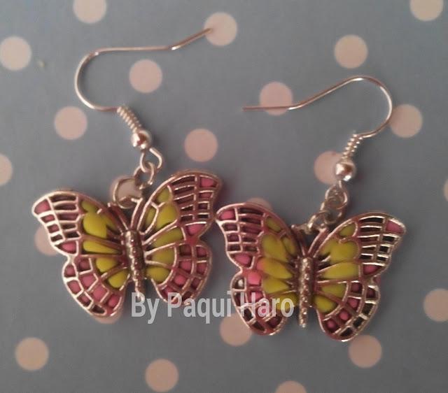 Pendiente mariposa decorados con fimo