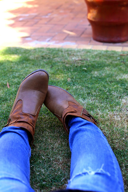 Tan Ankle Boots and skinny jeans - The Fashionable Mum