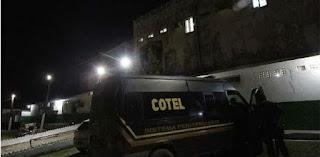 Bandidos explodem muro de presídio e mais de 20 presos fogem no PE