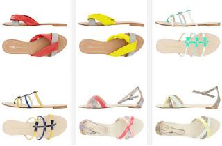 Sandalias planas de colores