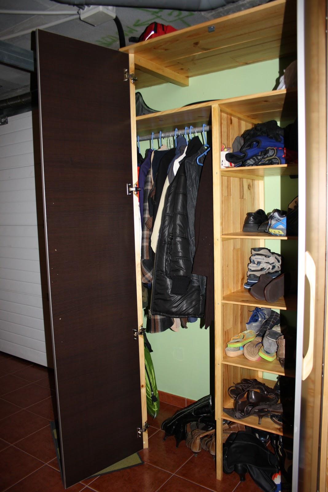 Chapuzas domingueras armario para zapatos y chaquetas for Armario para zapatos