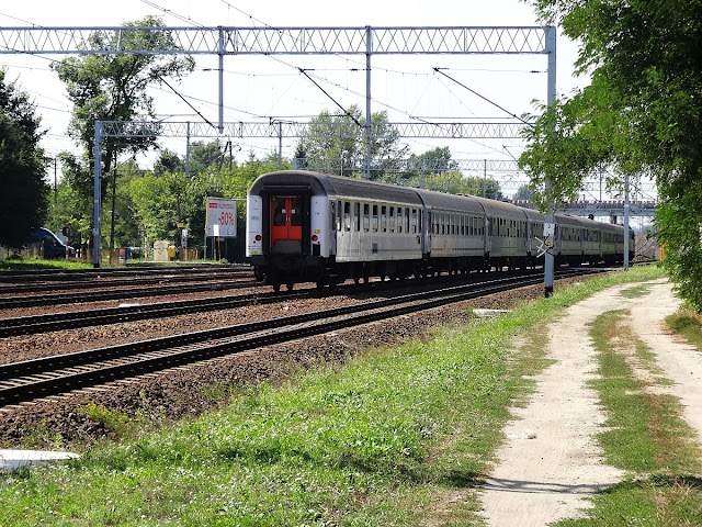 Pociąg na linii kolejowej nr 2