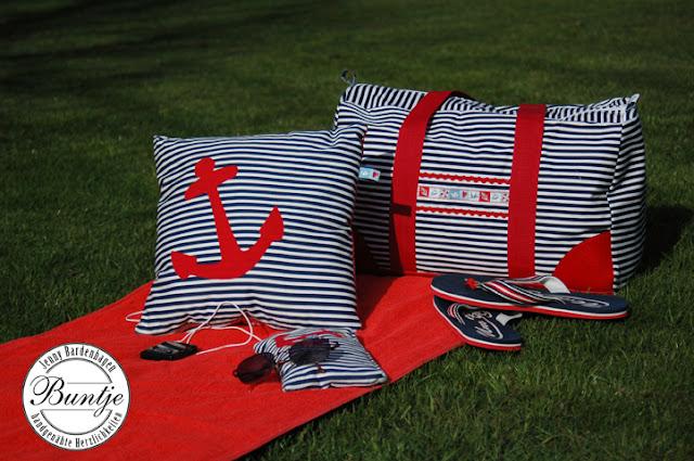 Weekender El Grande Farbenmix maritim Kunstleder blau weiß rot Webband handmade Saunatasche Badetasche Reisetasche Tasche