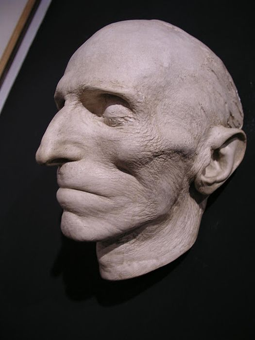 Death Masks Of The Famous People 12 Pics Hourly Updates