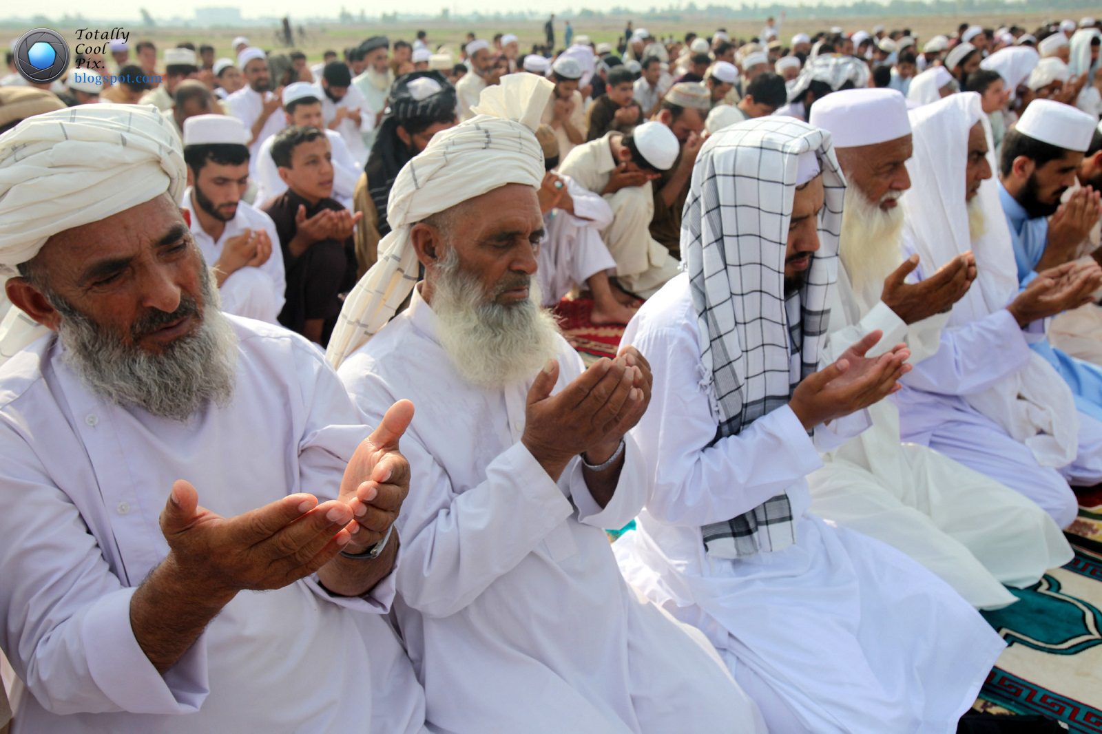 Islamic people praying...