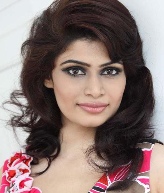 Hirunika Premachandra Hot Photos ~ the universe of actress