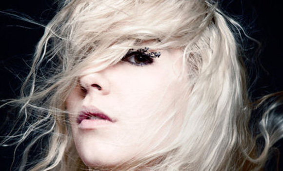 Revelacion In The Riff - Austra