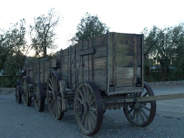 Carretas de madera en Furnace Creek
