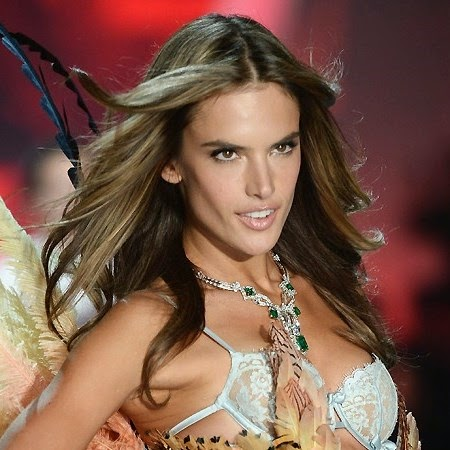 A modelo Alessandra, garota-propaganda da Victoria's Secret conta seus segredos