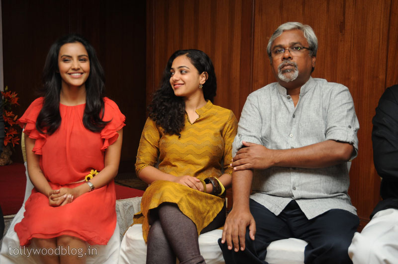 Siddharth  Press Meet Photo Stills Nitya Priya show stills