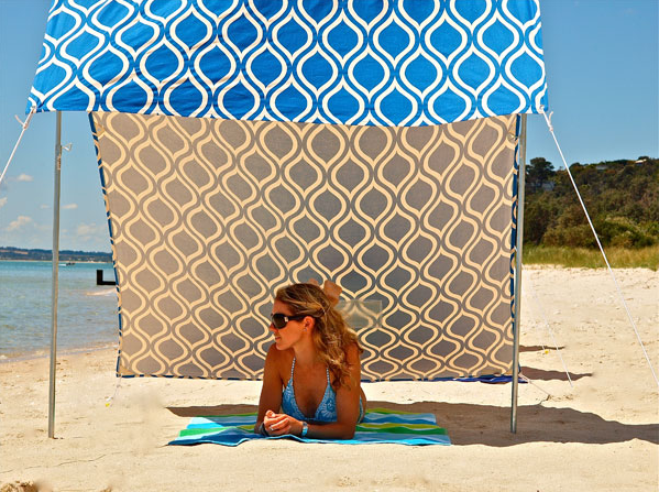 Manufactuered by an Australian company called Hollie and Harrie these beach tents seem like a great alternative to a beach umbrella. & the little house in the city: DIY Inspiration: Sombrilla