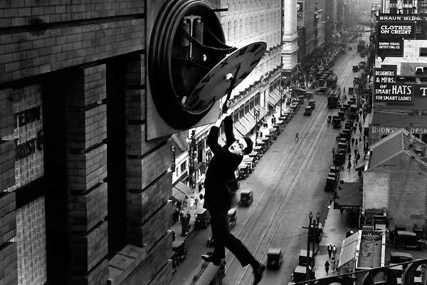 Monte-la-dessus-Safety-Last-1923-2.jpg