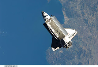 Atlantis Space Shuttle Outer Space HD Wallpaper