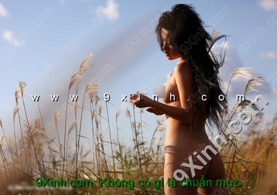 Ảnh người mẫu nude Đặng Linh