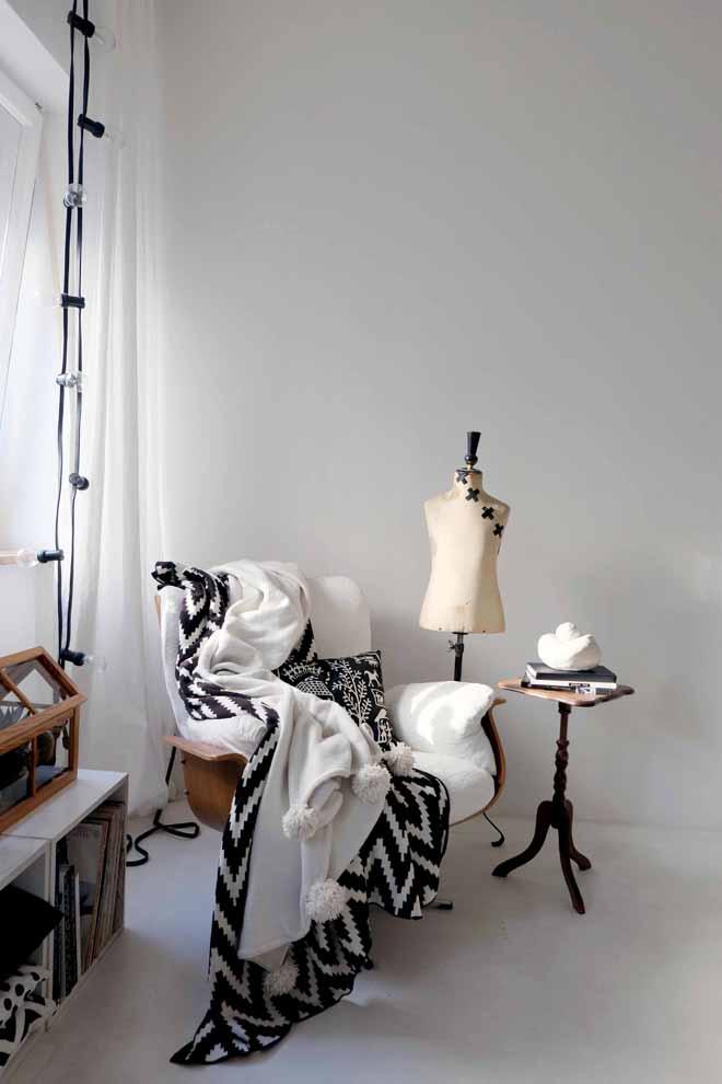 minza will sommer bommel bommel bommeldecke. Black Bedroom Furniture Sets. Home Design Ideas