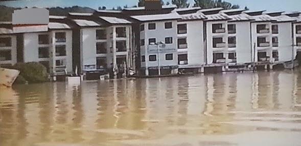 Kashmir Floods: Flooded Lanes