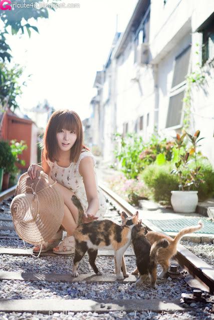 12 Ryu Ji Hye Outdoor and Indoor-very cute asian girl-girlcute4u.blogspot.com