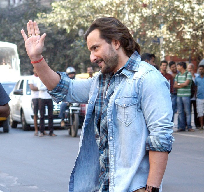 sonakshi sinha and saif ali khan first look from bullet