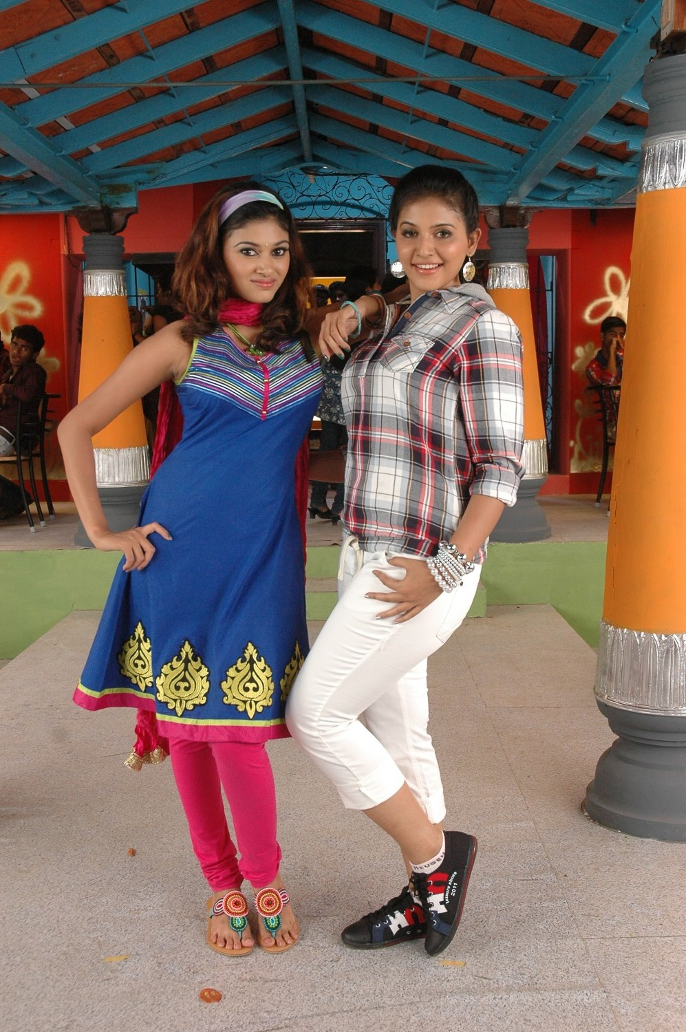 Kalakalappu New Movie Stills Pictures Kalakalappu Latest Movie Pictures (3).jpg