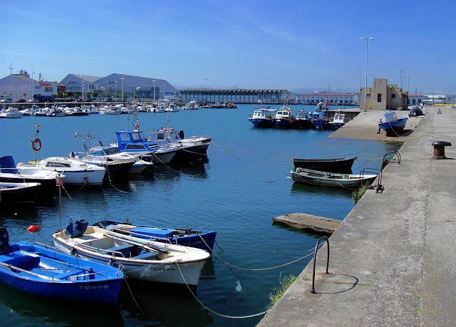 Darsena actividades pesqueras Puerto Santander