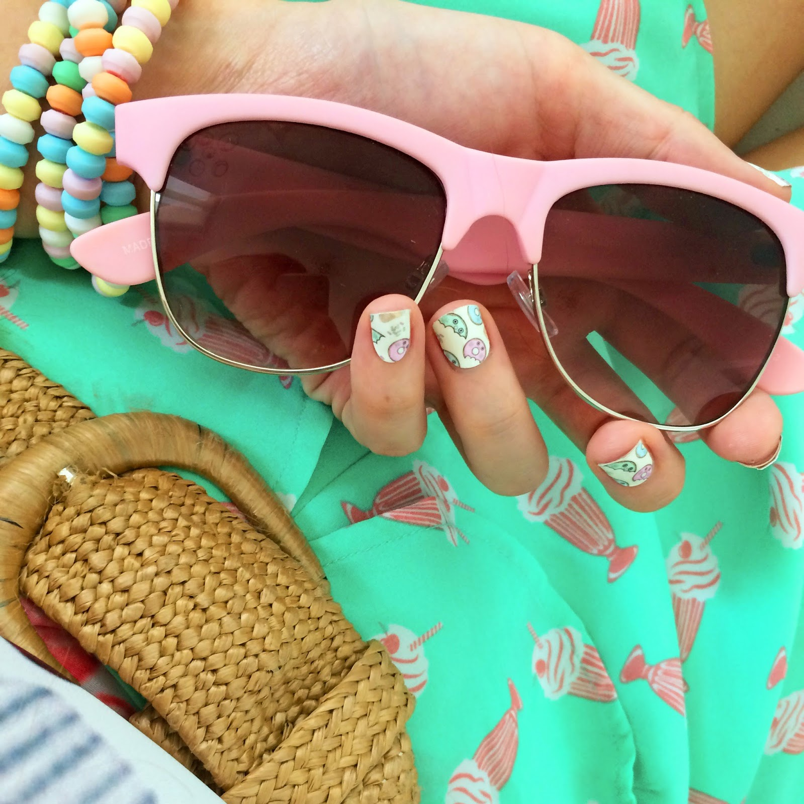 Adorable Donut Printed Nails!