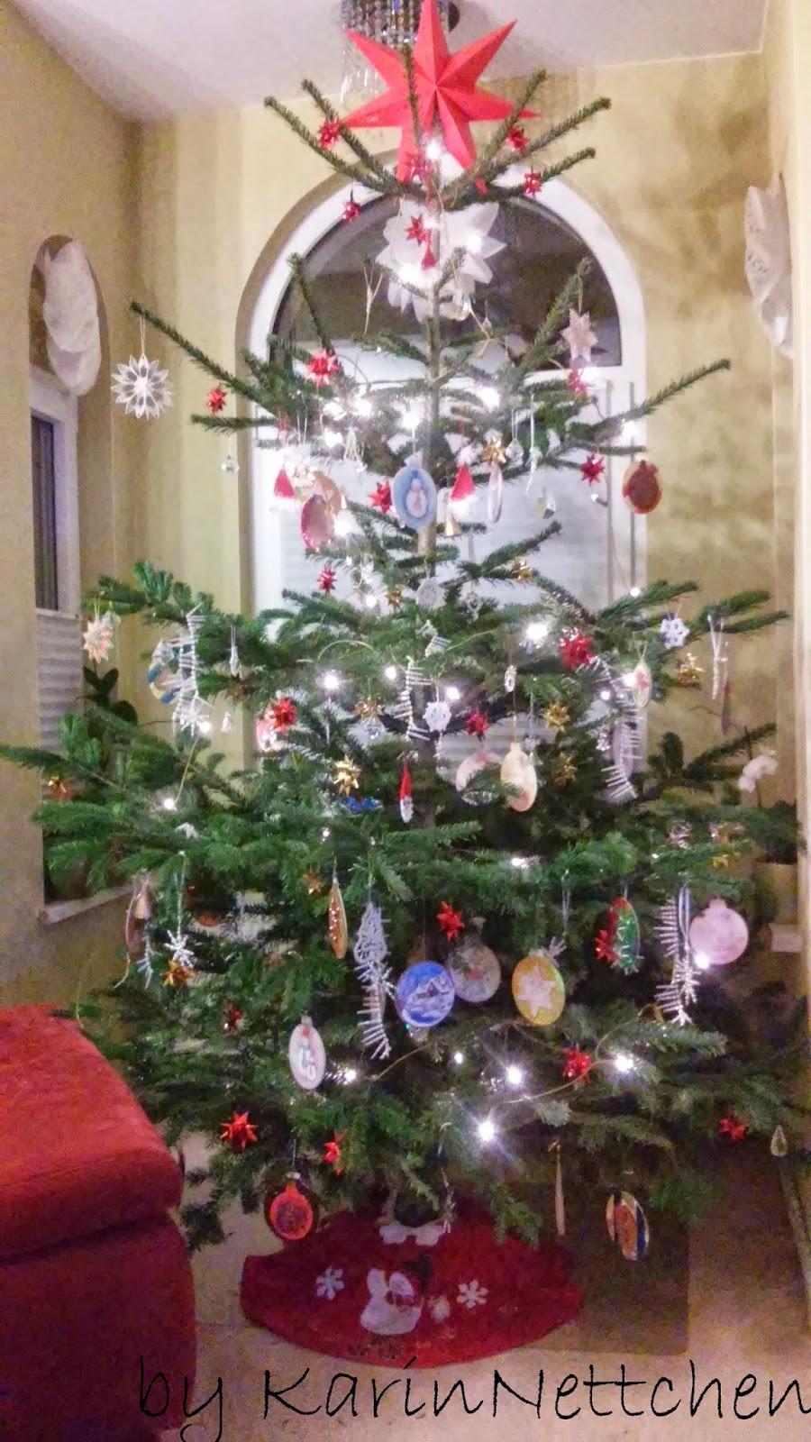 karinnettchen weihnachtsbaum ist geschm ckt. Black Bedroom Furniture Sets. Home Design Ideas