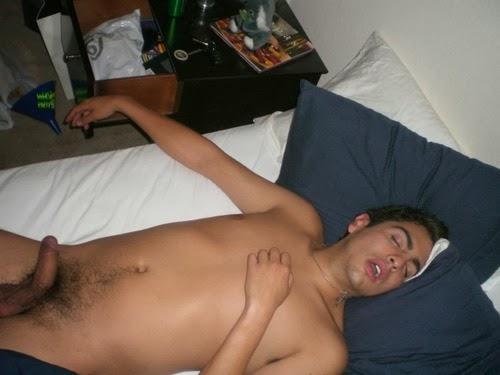 Chicos gay borracho dormido: defloration porn vids