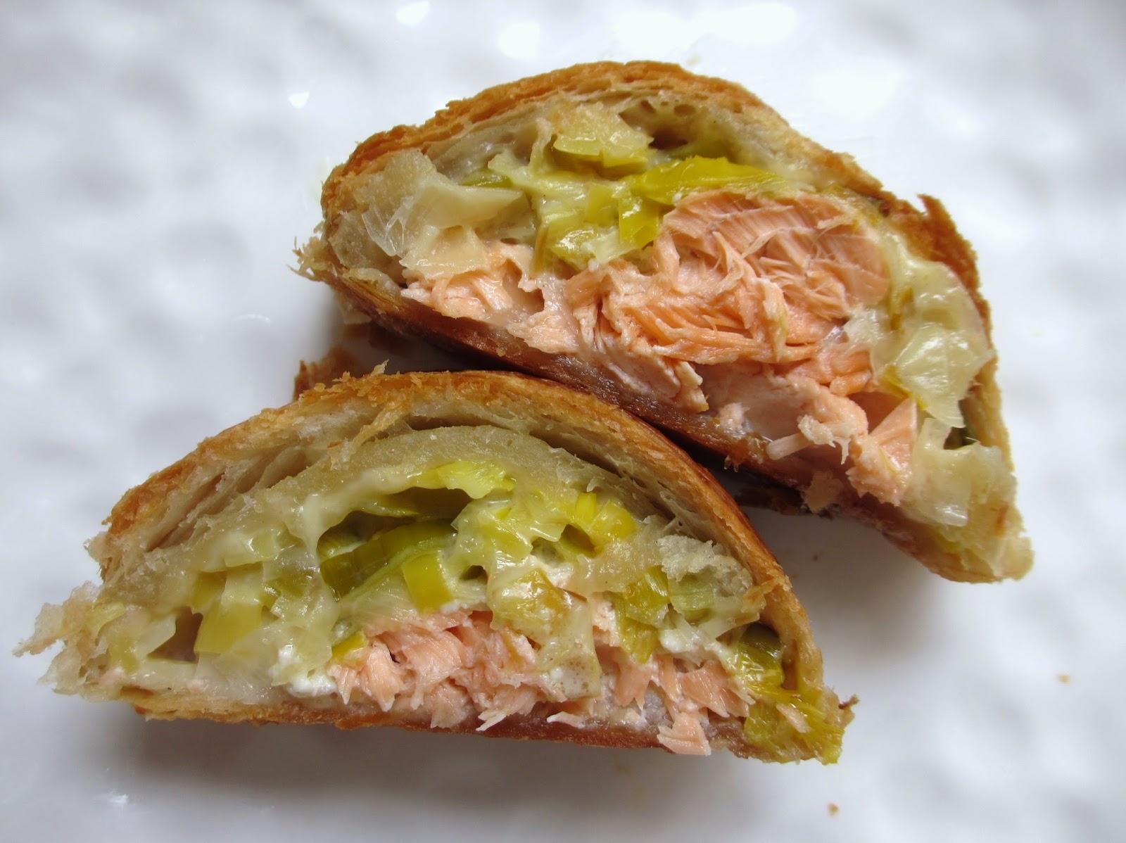 Cooking julia feuillet tress au saumon et poireaux - Que faire avec une pate feuilletee sale ...
