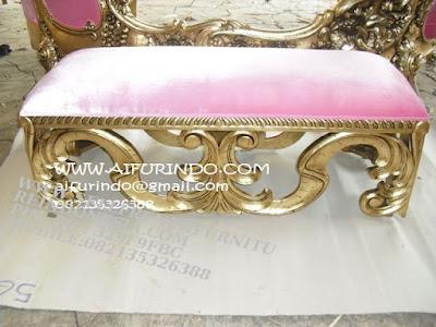 sofa jati jepara furniture mebel ukir jati jepara jual sofa tamu set ukir sofa tamu klasik set sofa tamu jati jepara sofa tamu antik sofa jepara mebel jati ukiran jepara SFTM-55131 jual mebel duco sofa pink cat duco emas